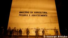 Army soldiers stand in front of the Agriculture Ministry after a protest against President Michel Temer and the latest corruption scandal to hit the country, in Brasilia, Brazil, May 24, 2017. REUTERS/Paulo Whitaker