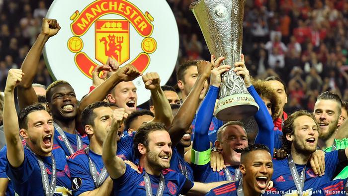 Гравці Манчестер Юнайтед святкують перемогу у Лізі Європи УЄФА