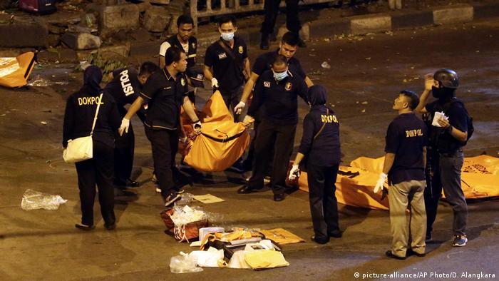 Indonesien Explosion in Jakarta (picture-alliance/AP Photo/D. Alangkara)