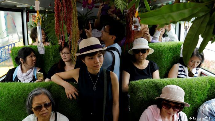 Taiwan - Busfahrt für Grünflächen in Taipei (Reuters/T. Siu)