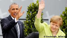 25.05.2017 German Chancellor Angela Merkel and former U.S. President Barack Obama wave as they arrive to attend a discussion at the German Protestant Kirchentag in front of the Brandenburg Gate in Berlin, Germany, May 25, 2017. REUTERS/Axel Schmidt