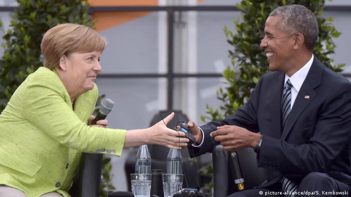 Deutschland 36. Evangelischer Kirchentag in Berlin - Angela Merkel und Barack Obama (picture-alliance/dpa/S. Kembowski)