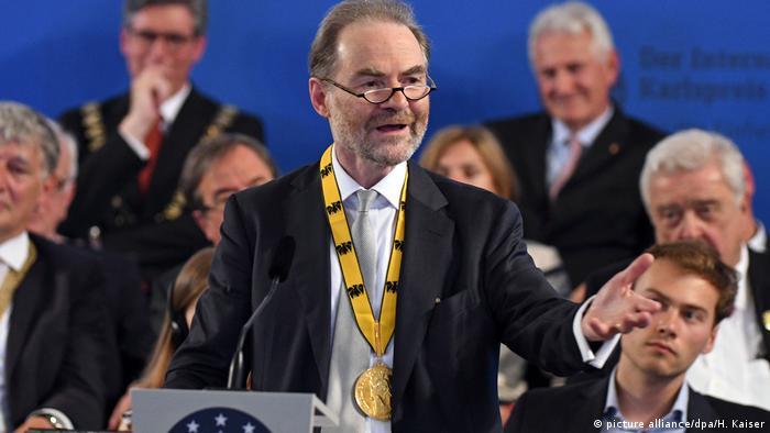 Deutschland Karlspreis an britischen Historiker Garton Ash verliehen (picture alliance/dpa/H. Kaiser)