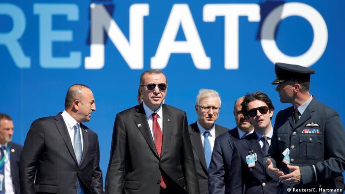 Der türkische Präsident Recep Tayyip Erdogan kommt am NATO-Gipfel an  (Reuters/C