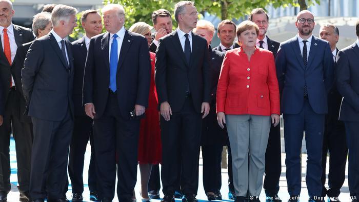 Belgien Brüssel NATO-Gipfel Gruppenfoto
