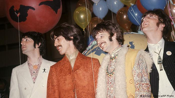UK The Beatles Sgt. Pepper's Lonely Hearts Club Band (picture alliance/AP Photo)