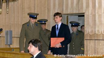Οι σοβιετικές αρχές καταδίκασαν τον Μ. Ρουστ σε τέσσερα χρόνια καταναγκαστικά έργα. Αφέθηκε ωστόσο ελεύθερος μερικούς μήνες αργότερα. (Getty Images/AFP/s. Kaufmann)