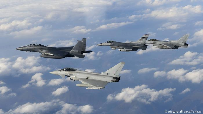 Süd Korea, U.S., Britain conduct joint drill Typhoon Kampfjet (picture alliance/Yonhap)