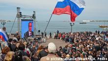 Krim Sewastopol - TV-Übertragung von Putin-Rede