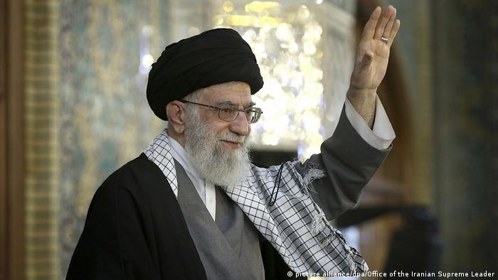 Iran Ajatollah Ali Chamenei (picture alliance/dpa/Office of the Iranian Supreme Leader)