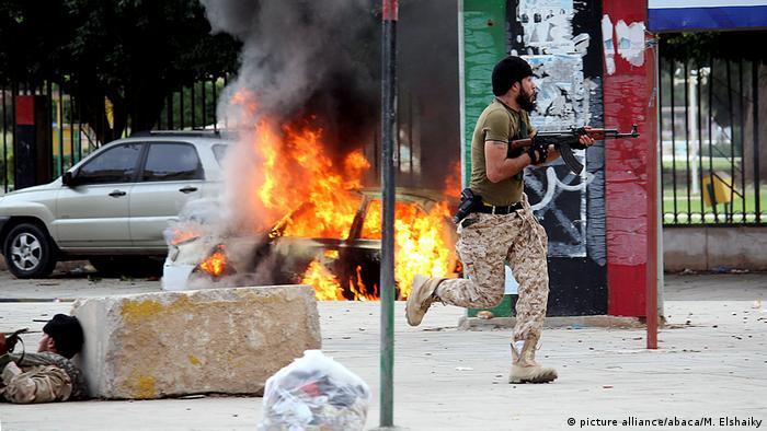 أرشيف: مواجهات في الشارع الليبي بين فصائل متناحرة