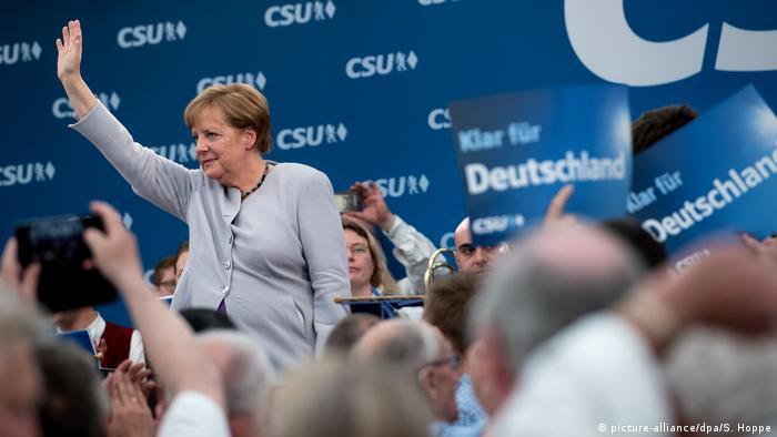 München Bierzeltauftritt von Angela Merkel