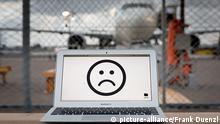 Symbobild Laptop-Verbot im Flugzeug