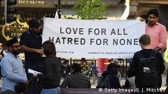 UK | Love-not-Hate-Demonstrationen in Manchester (Getty Images/J. J. Mitchell)