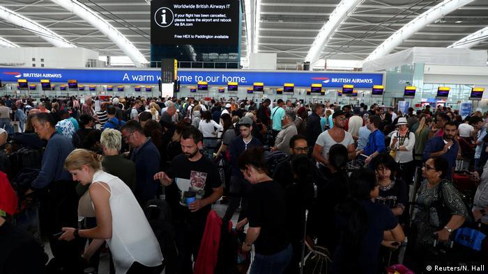 Großbritannien British Airways Computerfehler - gestrandete Passagiere in London Heathrow