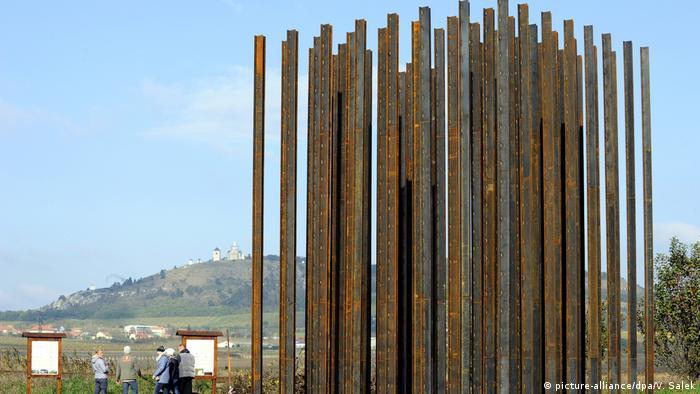 Monumento às vítimas da Cortina de Ferro na República Tcheca