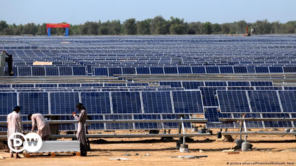 बिजली की कमी से जूझते पाकिस्तान को हर हाल में चाहिए सौर ऊर्जा