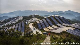 China: placas solares.