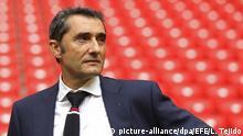 ARCHIV - Athletic Bilbaos spanischer Trainer Ernesto Valverde steht am 26.10.2016 im Stadion von San Mames in Bilbao, Spanien. (zu dpa-Meldung: «Barcelona-Trainerkandidat Valverde: Noch mit keinem Verein einig» vom 24.05.2017) Foto: Luis Tejido/EFE/dpa +++(c) dpa - Bildfunk+++ |