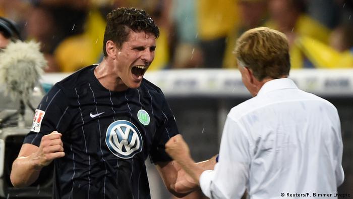 Fußball Eintracht Braunschweig gegen VFL Wolfsburg