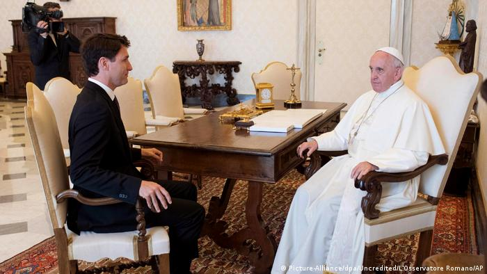 Trudeau besucht den Papst (Picture-Alliance/dpa/ Uncredited/L'Osservatore Romano/AP)
