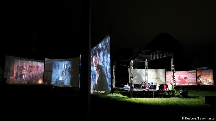 Indonesien Feiern und 35mm-Filme (Reuters/Beawiharta)