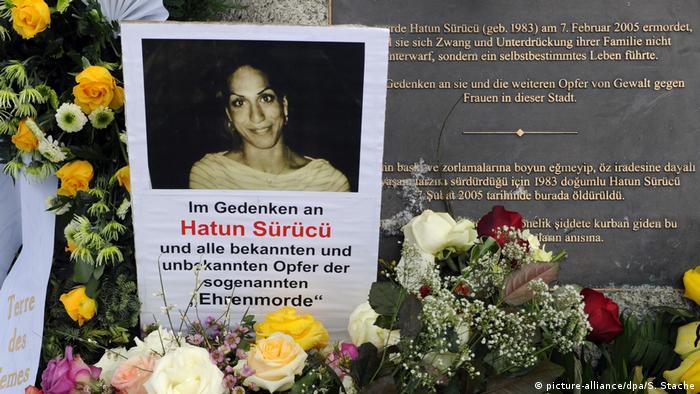 Deutschland Gedenkstein für Hatun Sürücü