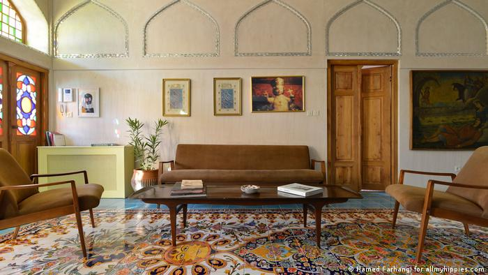 BG Behind closed curtains, Interior Design in Iran (Hamed Farhangi for allmyhippies.com)