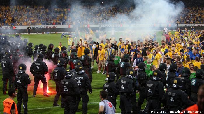 Bundesliga-Relegation - Eintracht Braunschweig - VfL Wolfsburg 0:1 (picture-alliance/dpa/S. Sudheimer)
