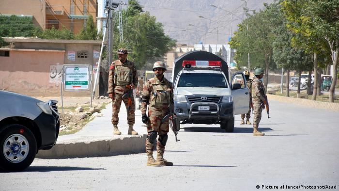 Pakistan Soldaten (Picture alliance/Photoshot/Asad)