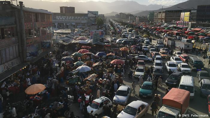 Rush hour in the west of Kabul DW/Sandra Petersmann