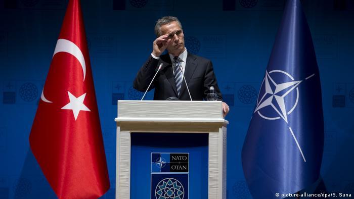 Türkei | Nato-Generalsekretär Stoltenberg (picture-alliance/dpa/S. Suna)