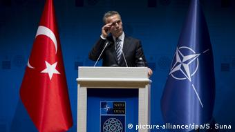 Η Τουρκία είναι δυσαρεστημένη με τη στάση του ΝΑΤΟ - Στη φωτογραφία ο ΓΓ του ΝΑΤΟ Γενς Στόλτενμπεργκ