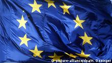 EU Flagge (picture-alliance/dpa/H. Ossinger)