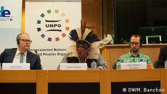 Europäisches Parlament Konferenz Guaraní-Kawioá-Indianer (DW/M. Banchón)