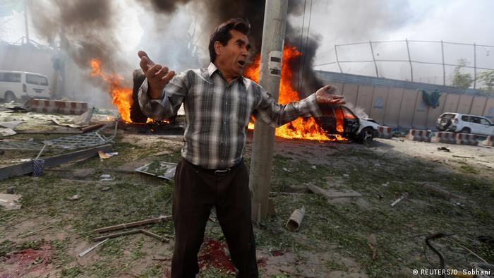 Afghanistan Deutsche Botschaft bei Anschlag in Kabul massiv beschädigt (REUTERS/O. Sobhani)