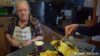 Κάθε Παρασκευή ένα ζεστό γεύμα στους φτωχούς προσφέρει το Spires Centre στο Σέφιλντ (DW/E. Albrecht)