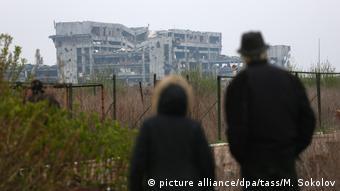 Ukraine zerstörtes Iversky-Kloster am Flughafen in Donetsk