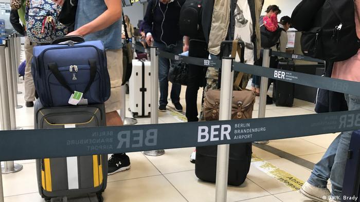 Berlin Schönefeld Check-In