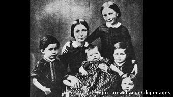 Children of Robert und Clara Schumann in an old photo