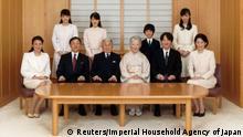 Japan Kaiser Akihito mit Familie