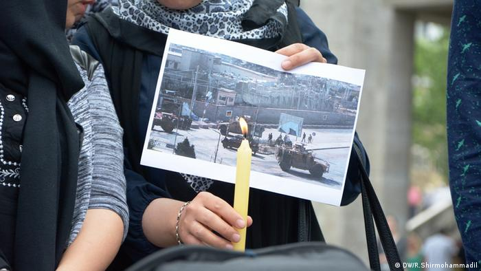 Demonstration Köln gegen Abschiebung nach Afghanistan Menschenrechte (DW/R.Shirmohammadil)