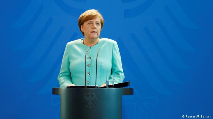Angela Merkel PK Klimaabkommen (Reuters/F.Bensch)