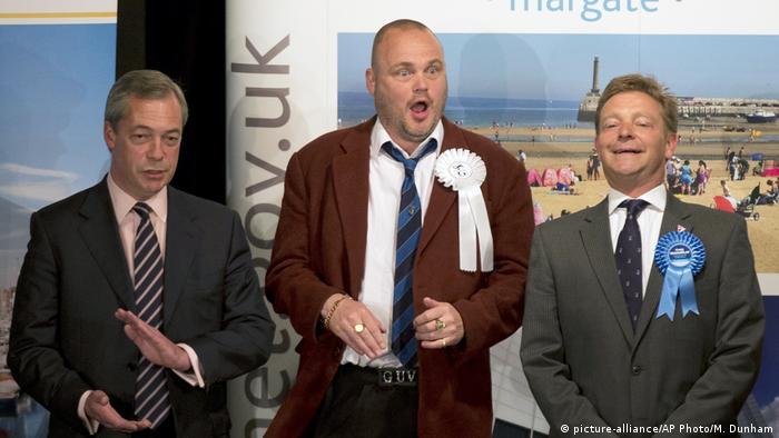 England Craig Mackinlay, Nigel Farage und Al Murray
