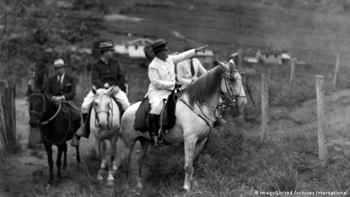 Getúlio Vargas montado em um cavalo