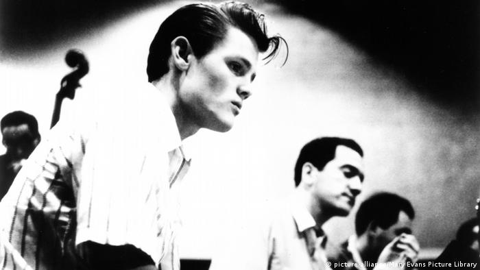 Still from 'Let's Get Lost' with Chet Baker and other musicians (picture-alliance/Mary Evans Picture Library)