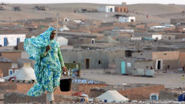 مخيمات تندوف (الجزائر) التي تحتضن لاجئين صحراويين