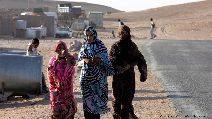 Algerien Westsahara - Flüchtlingscamp (picture-alliance/dpa/M. Messara)