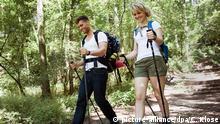 Deutschland Erlebniswandern: Paerchen beim Wandern