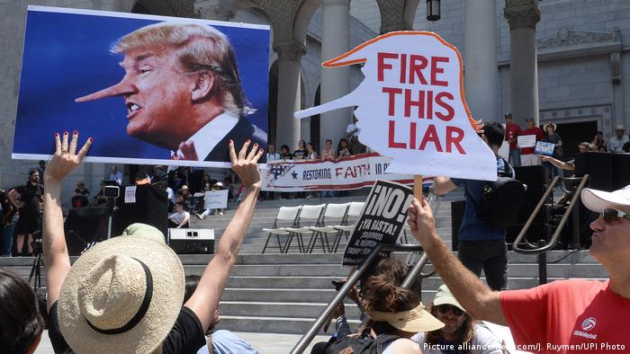 USA Anti-Trump Demo March for Truth (Picture alliance/newscom/J. Ruymen/UPI Photo)